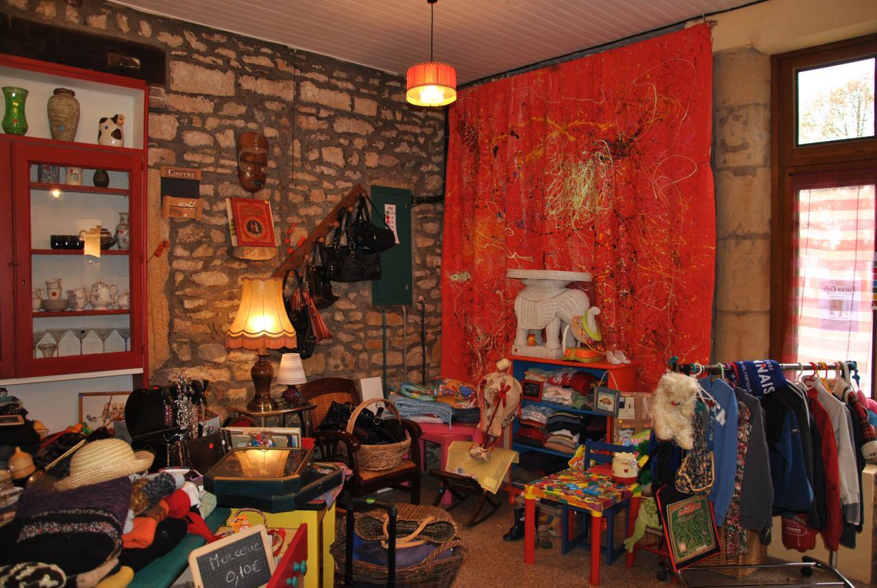 La boutique de Puces Café