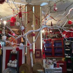 Une boutique prête pour fêter Noël et la nouvelle année!